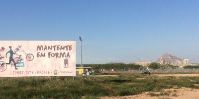 Óscar Lillo se compromete a construir más campos de fútbol con pista de atletismo y a planificar la futura piscina